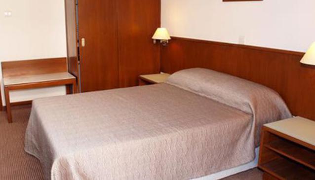 Petrou Hotel & Apartments