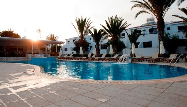 Stavrolia Hotel Apartments
