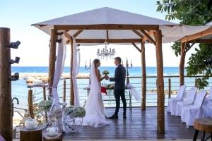 The Golden Coast Beach Hotel - Weddings