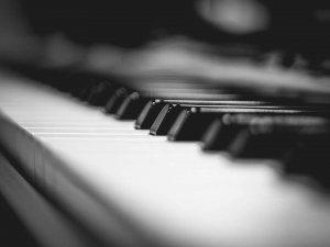 Mikrokosmos: 20th-21st century piano works