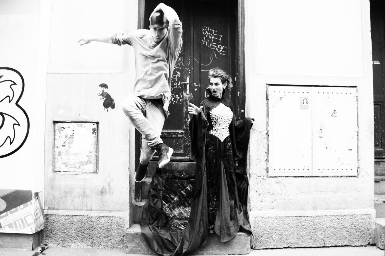 Opera versus Streetdance