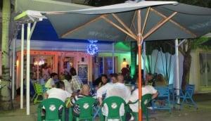Liqui2 Bar & Lounge