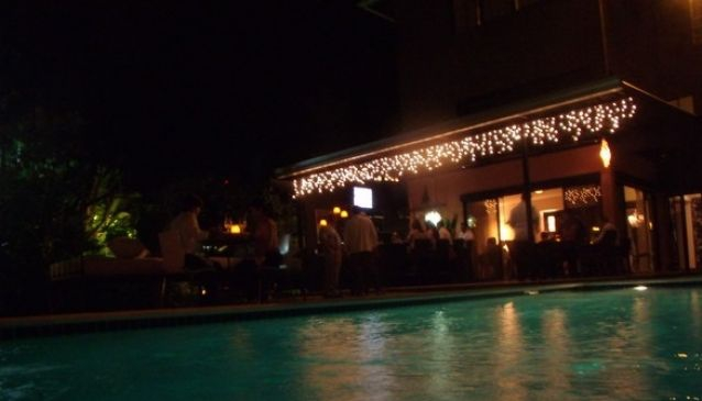 Mares Restaurant & Pool Lounge