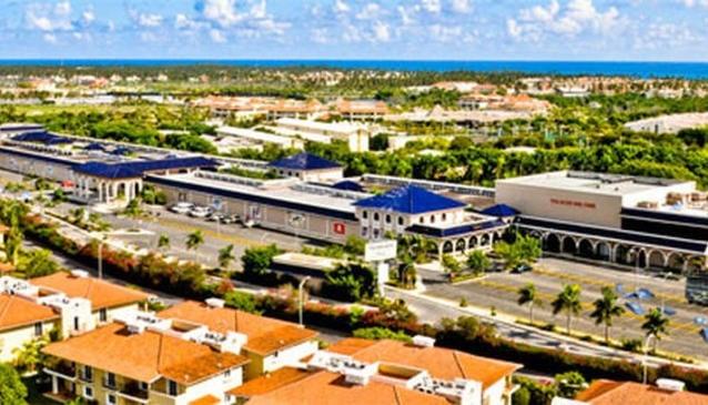 Palma Real Shopping Village