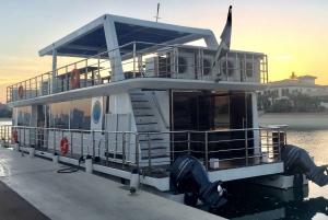 1.5-Hour Palm Jumeirah Boat Tour