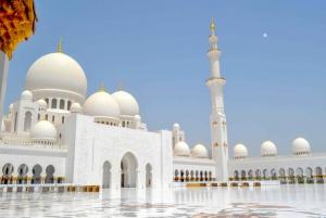 Abu Dhabi Sheikh Zayed Mosque Half-Day Tour from Dubai