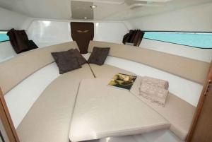 Dubai: 2 or 3-Hour Sea Cruise to Swim, Tan, and Sightsee