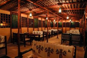 Dubai: Ethnic Emirati Dining Experience