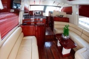 Dubai: Luxury Yacht Cruise