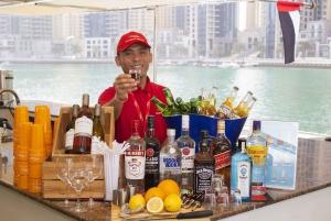 Dubai: Marina Dinner Cruise with Drinks & Live Music