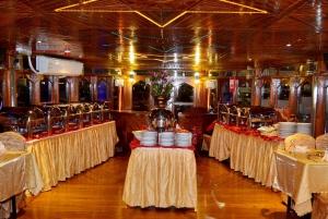 Dubai Marina: Half-Day Dhow Dinner Cruise with Transfer