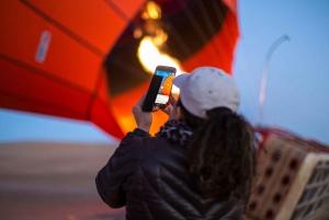 Dubai: Sunrise Balloon Flight with Breakfast & Falcon Photo