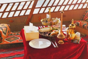 Dubai: Sunset Cruise on Traditional Boat & Emirati High Tea