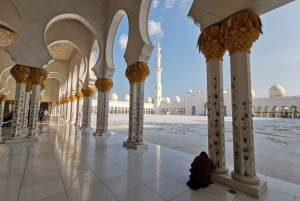 From Dubai: Abu Dhabi Small-Group Day-Tour with Lunch