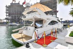 Marina Private Luxury Yacht Tour