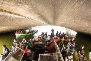 Dublin: Music Under the Bridges Kayaking Tour