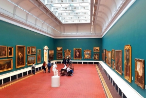 Dublin: Treasures of Ireland Museums Private Tour