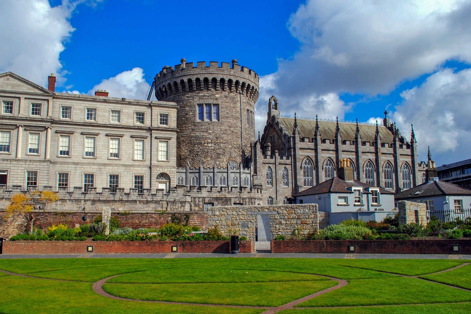 Fast-Track Access Book of Kells and Dublin Castle Tour