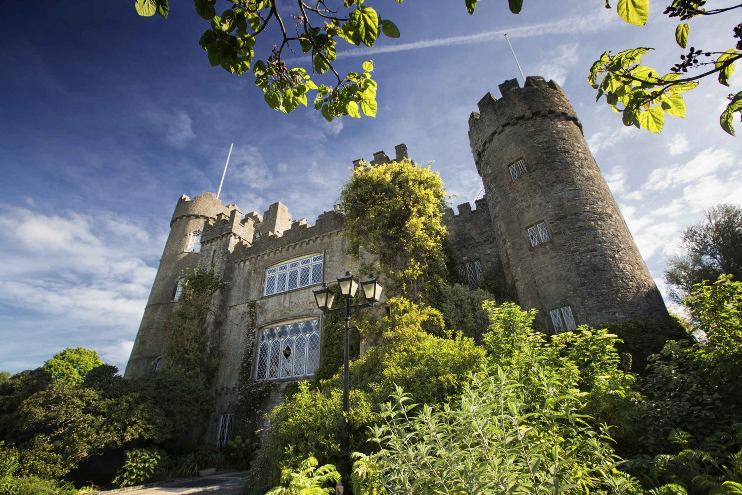 Malahide Castle & Howth Half-Day Tour from Dublin