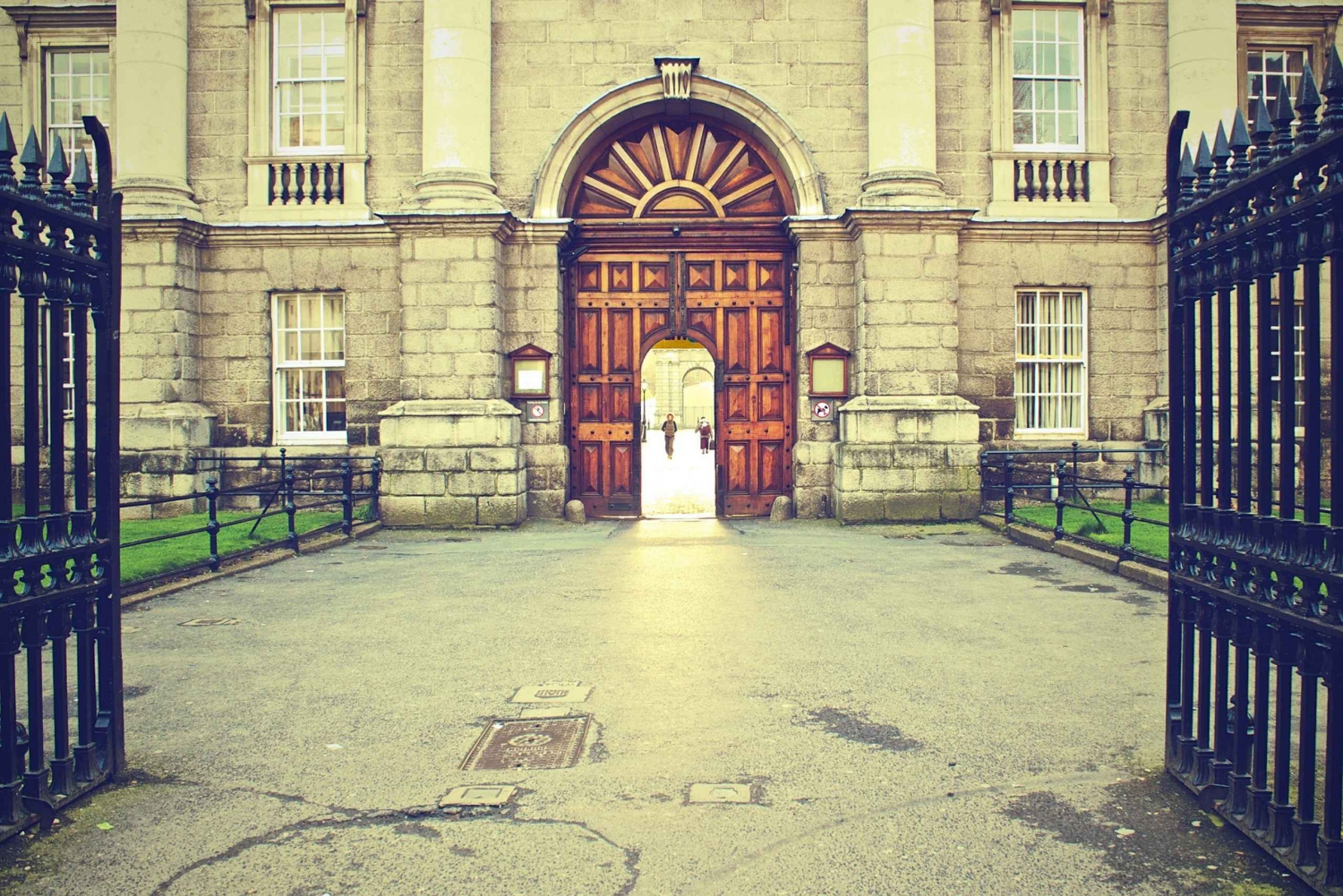 Private Customizable Dublin Tour With a Local