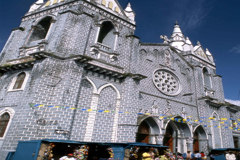 Baños de Agua Santa: 2-Day Tour from Quito