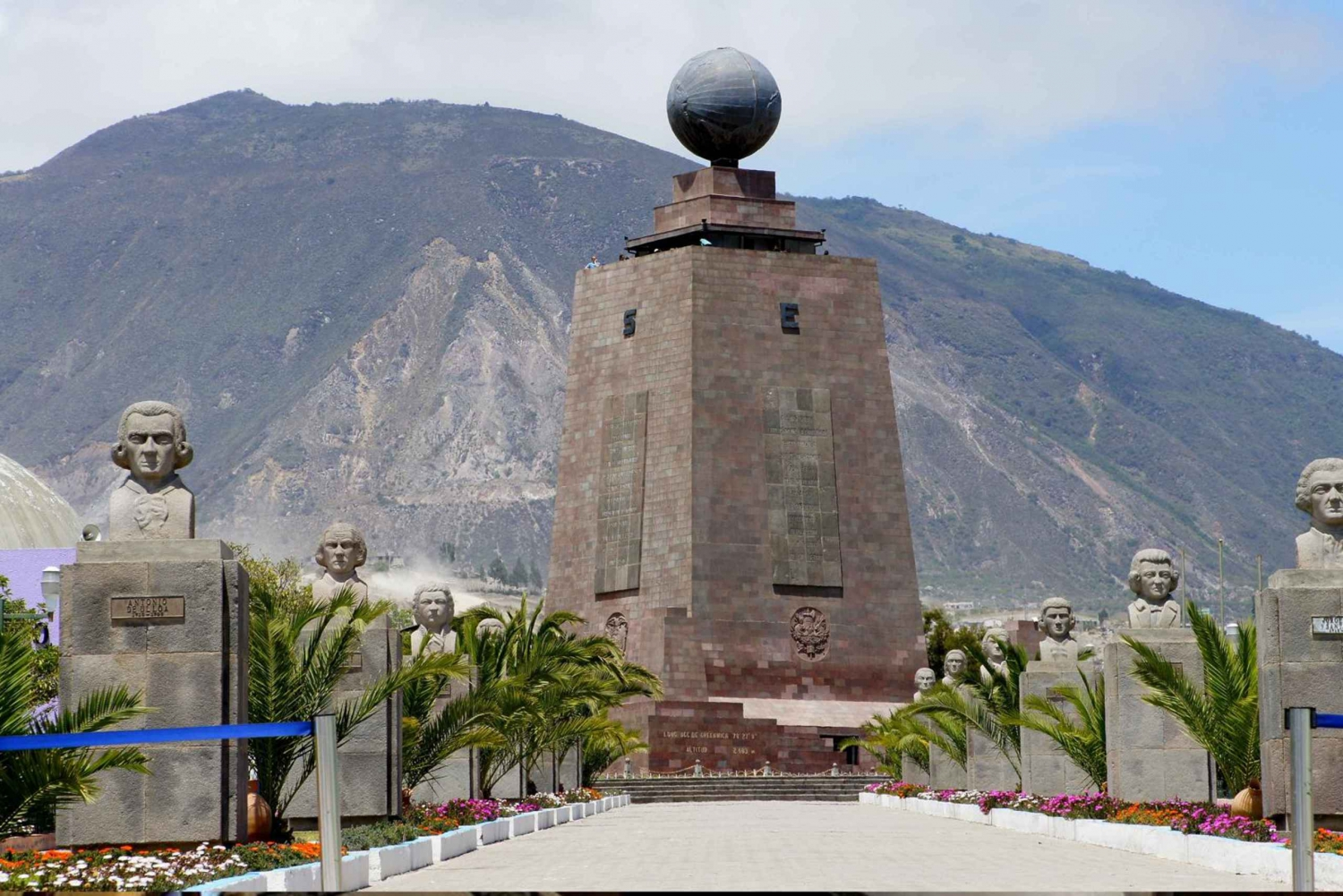 Equatorial Monument: 3-Hour Tour from Quito