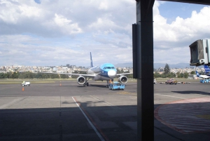 Express Transfer: Mariscal Sucre Airport to Quito
