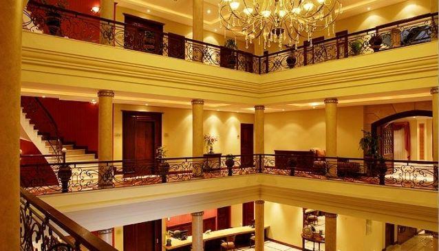 Grand Victoria Boutique Hotel