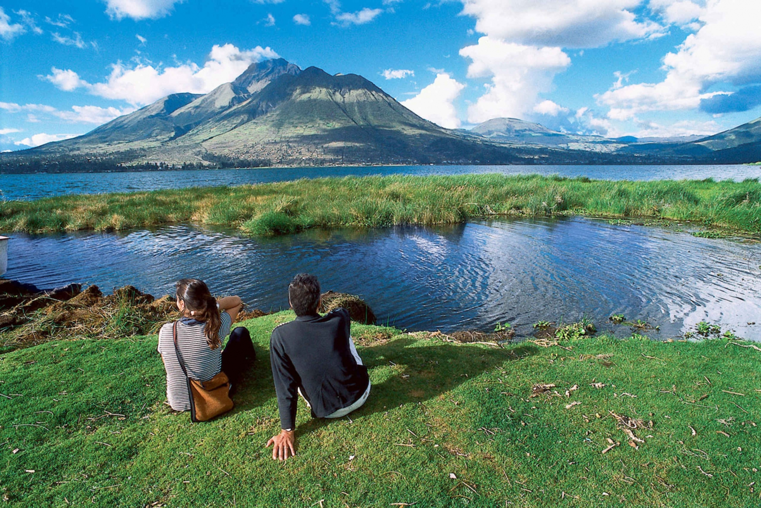 Lakes and Volcanoes Tour From Quito