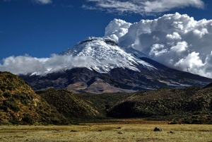 Quito: 2 or 3-Day Tour to Baños with Cotopaxi & Quilotoa