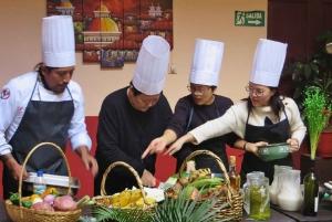 Quito: Ecuadorian Cooking Class and Local Market Tour
