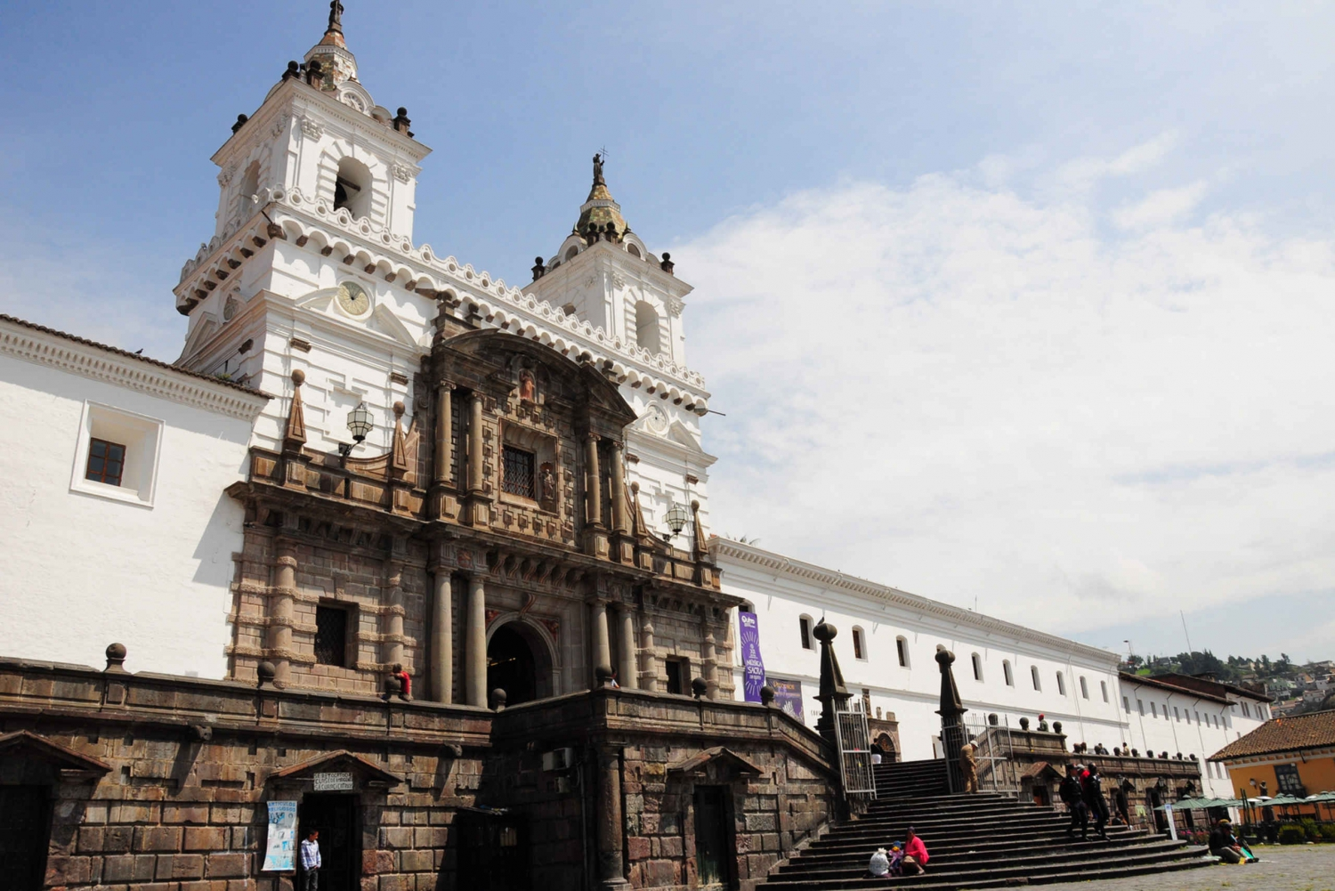 Quito: Street Food, Art and Historic City Tour