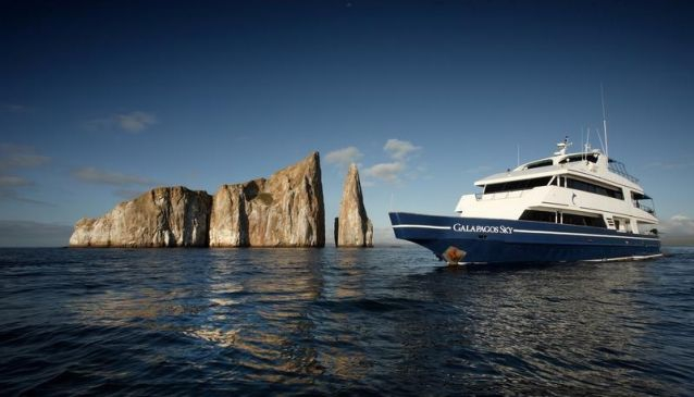 Yacht Galapagos Sky