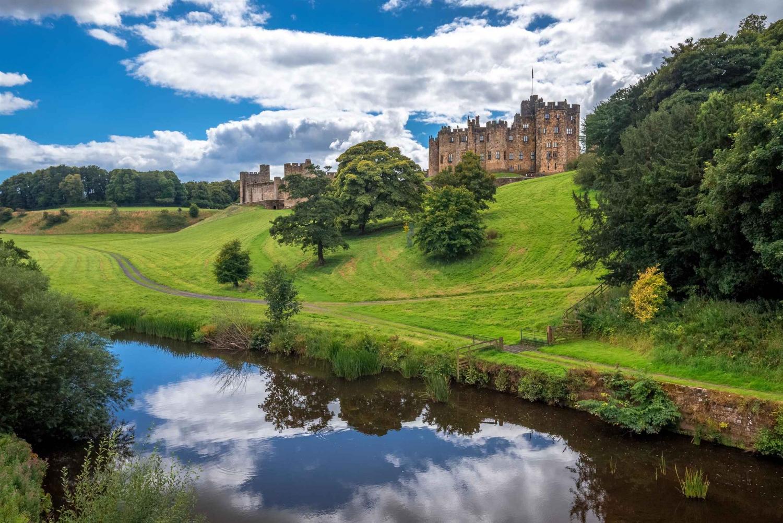 Alnwick Castle and Scottish Borders Tour from Edinburgh
