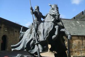 Alnwick Castle & Scottish Borders Day Tour from Edinburgh