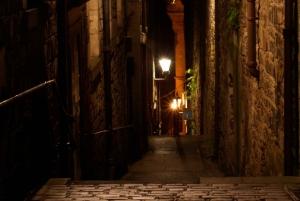 Edinburgh: 2-Hour Ghost Tour in Italian