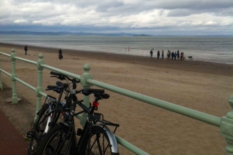 Edinburgh 3-Hour Bike Tour: Holyrood Park & Portobello
