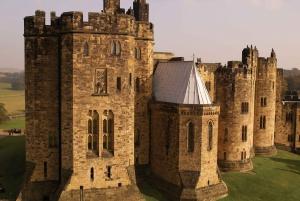Edinburgh: Harry Potter and English Castles Tour in Italian