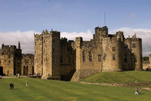 Edinburgh: Harry Potter and English Castles Tour in Spanish