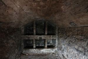 Edinburgh: Historic Underground Vaults Daytime Tour