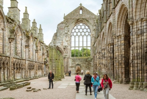 Edinburgh: Royal Attractions with Hop-On Hop-Off Bus Tours