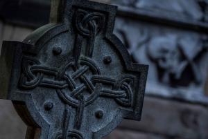 Edinburgh: Underground Vaults & Graveyard Evening Tour