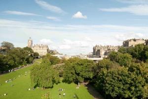 From London: Edinburgh Overnight Tour by Train