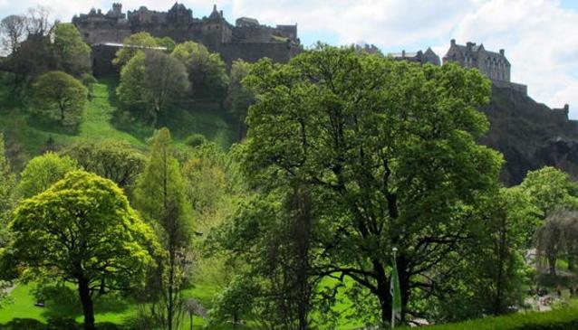 Princes Street Gardens in Edinburgh | My Guide Edinburgh