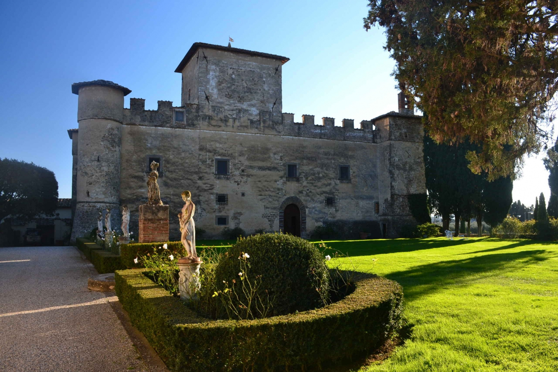 Castle and Chianti Wine Tour - Monday to Saturday