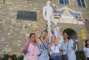 Florence: Evening Walking Tour & All-You-Can-Eat Aperitivo