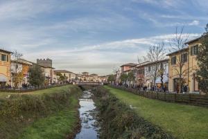 Florence: Shuttle Bus to Barberino Designer Outlet