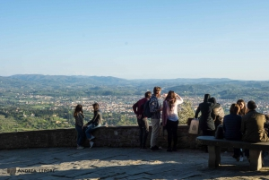 From Florence: Full-Day Active Tuscan Bike Tour