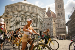 Guided Cycling Sightseeing Tour with Gelato