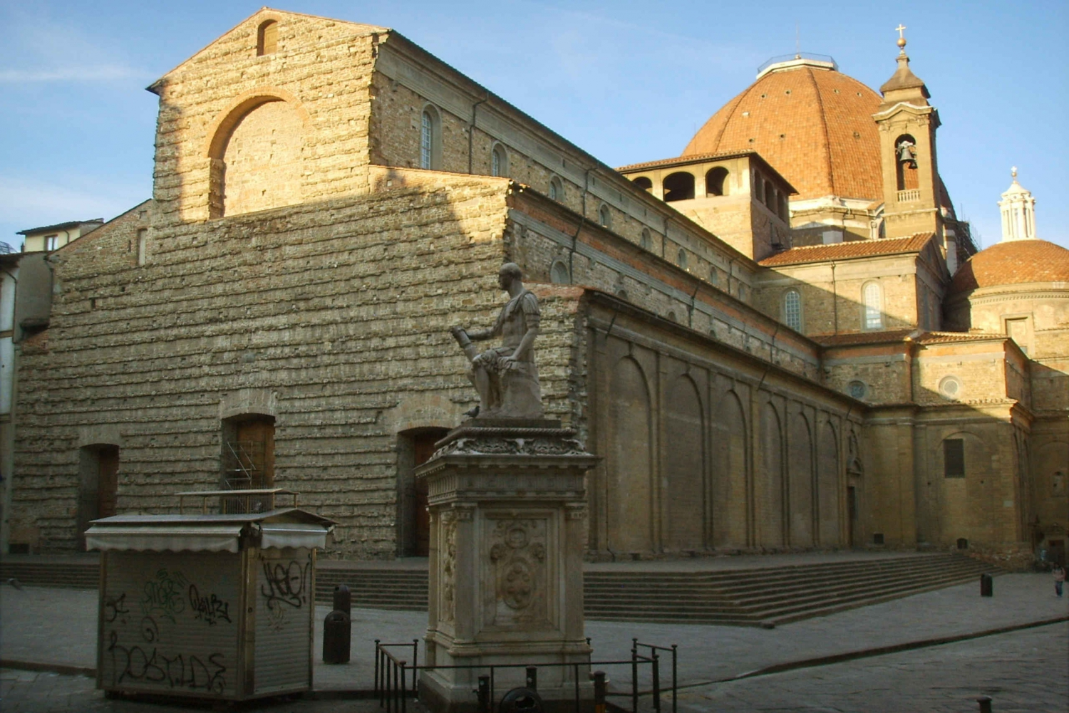 Medici Tour: History and Secrets through Family Monuments